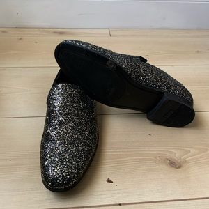 I.N.C black and gold sparkled loafers